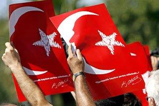 Economist: H ισλαμική ταυτότητα της Τουρκίας δεν ενισχύθηκε πρόσφατα, αλλά από τις σφαγές των Ελλήνων και των Αρμενίων, που άρχισαν το 1915