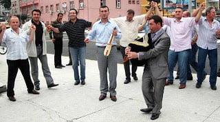 Έτσι γιορτάζουν οι Πόντιοι τη νίκη Ερντογάν