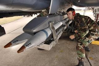 Η Τουρκία παίρνει 107  βλήματα αέρος-αέρος (AIM-120C-7 AMRAAM) από τις ΗΠΑ