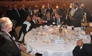 Στο γεύμα του Τουρκικού  Πολιτιστικού  Κέντρου, στη Νέα Υόρκη, παρών και ο πρόεδρος των Σκοπίων, Τσερβένκοφσκι
