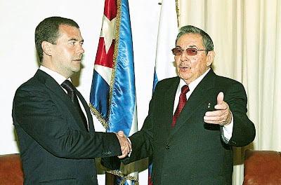 Στην Κούβα ο Μεντβέντεφ