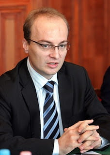 Oδυνηρά μαθήματα πολιτικής από τους Σκοπιανούς