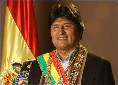 Σε ισχύ τέθηκε το νέο Σύνταγμα της Βολιβίας από τον Έβο Μοράλες