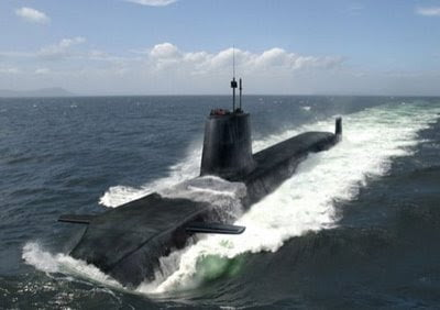 Ερωτηματικά από τη σύγκρουση των υποβρυχίων