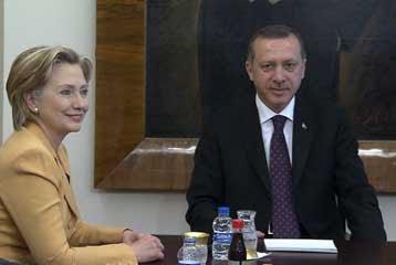 Πλούσια η ατζέντα. Επίσκεψη Ομπάμα στην Τουρκία προανήγγειλε από την Αγκυρα η Χ.Κλίντον