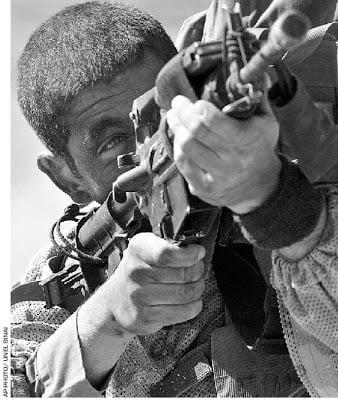 «Τον πυροβόλησα 11 φορές». Ισραηλινός πρώην κομάντο μιλά για εν ψυχρώ δολοφονίες Παλαιστινίων.