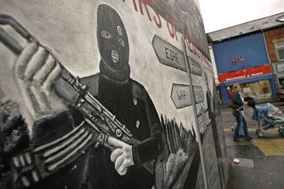 Ο Αληθινός IRA ανέλαβε την ευθύνη για τη δολοφονική επίθεση εναντίον ενός στρατώνα στη Βόρεια Ιρλανδία