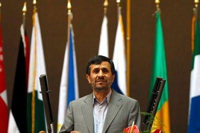 Αποχωρήσεις προκάλεσε η ομιλία Αχμαντινετζάντ στη διάσκεψη κατά του ρατσισμού