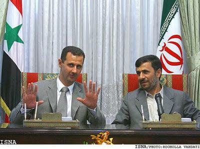 Ο Αχμαντινετζάν επισκέπτεται τη Συρία