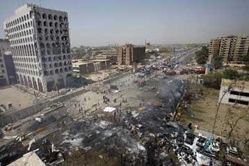 Διαδοχικές εκρήξεις συγκλόνισαν την πιο καλά φρουρούμενη περιοχή της Βαγδάτης
