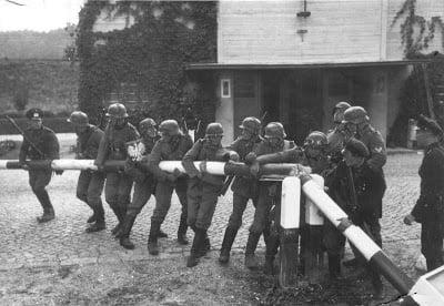 """1/9/1939 4:45 πμ """"Λευκή""""  Επιχείρηση"""