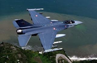 F-4 και F-16 για την Αλβανία