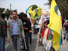 Μαύρο στεφάνι στη συριακή πρεσβεία