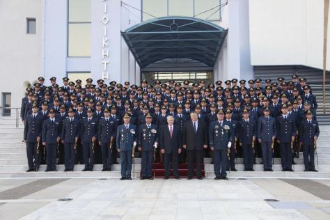 Πόσα παίρνουν οι στρατιωτικοί,πόσα οι βουλευτές και πόσα οι ΔΕΚΟ.