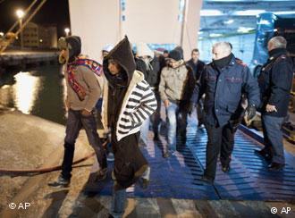 Την αποστολή δυνάμεων της Frontex ζητά η Ιταλία