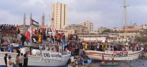 «Στοπ» από Παπουτσή Κανένα πλοίο από ελληνικό λιμάνι στη Γάζα