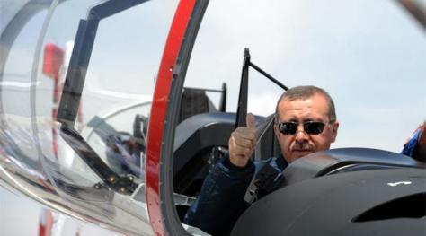 """Τα """"μαύρα σύννεφα"""" άρχισαν να φαίνονται στη τουρκική οικονομία"""