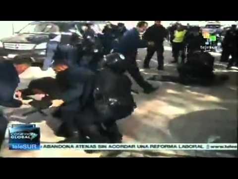 18 τραυματίες στη Πρίστινα σε συγκρούσεις αστυνομικών-διαδηλωτών