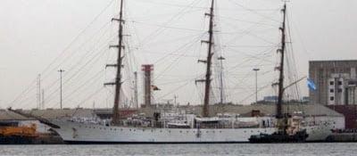 Γκάνα: H Αργεντινή Φρεγάτα απέπλευσε από το λιμάνι της Γκάνας, όπου κρατείτο