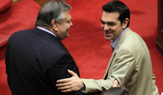 """ΒΟΥΛΗ Τσίπρας: """"Κρατάει αντίγραφα στο γραφείο του ο κ. Βενιζέλος;"""""""