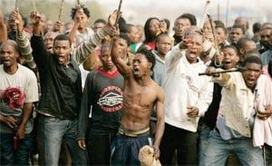 Έξαρση ξενοφοβικής βίας στη Ν. Αφρική. Επίθεση σε Σομαλούς λαθρομετανάστες από ντόπιους της φυλής Xhosa. «Οι ξένοι είναι ανεπιθύμητοι», λένε