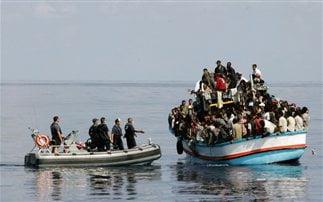 Το Λιμενικό αναλαμβάνει τη σίτιση μεταναστών !