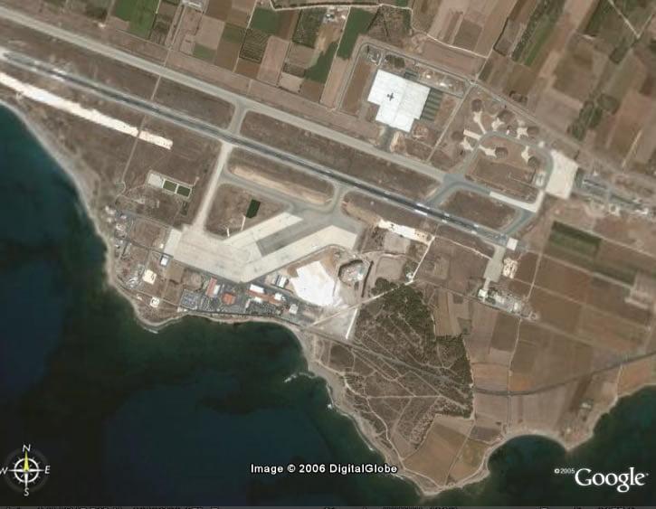 Αδεια χρήσης της αεροπορικής βάσης στη Πάφο και του λιμανιού της Λεμεσού δίνει η Κύπρος στη Ρωσία