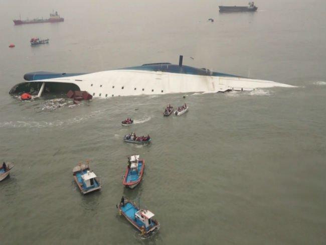 Ναυτική τραγωδία με εκατοντάδες αγνοούμενους στη Ν. Κορέα
