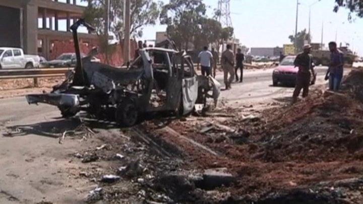 Λιβύη: Σύμμαχος της CIA στρατηγός επιτίθεται… παντού