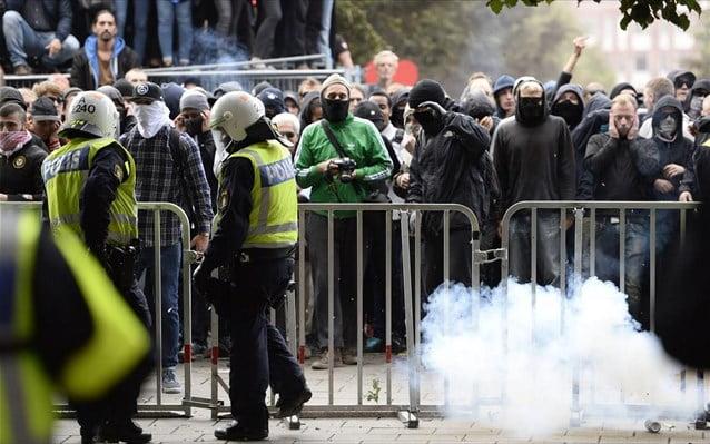 Επεισόδια σε προάστιο μεταναστών της Στοκχόλμης