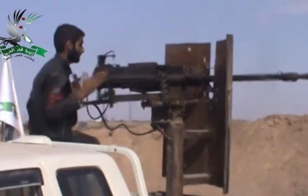Σύροι του FSA σφυροκοπούν το Ισλαμικό Κράτος έξω από την Κομπάνι (βίντεο)