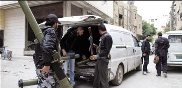 Kobanî: Αντάρτες του 'Ελεύθερου Συριακού Στρατού' μπήκαν στην πόλη πριν τους Πεσμεργκά