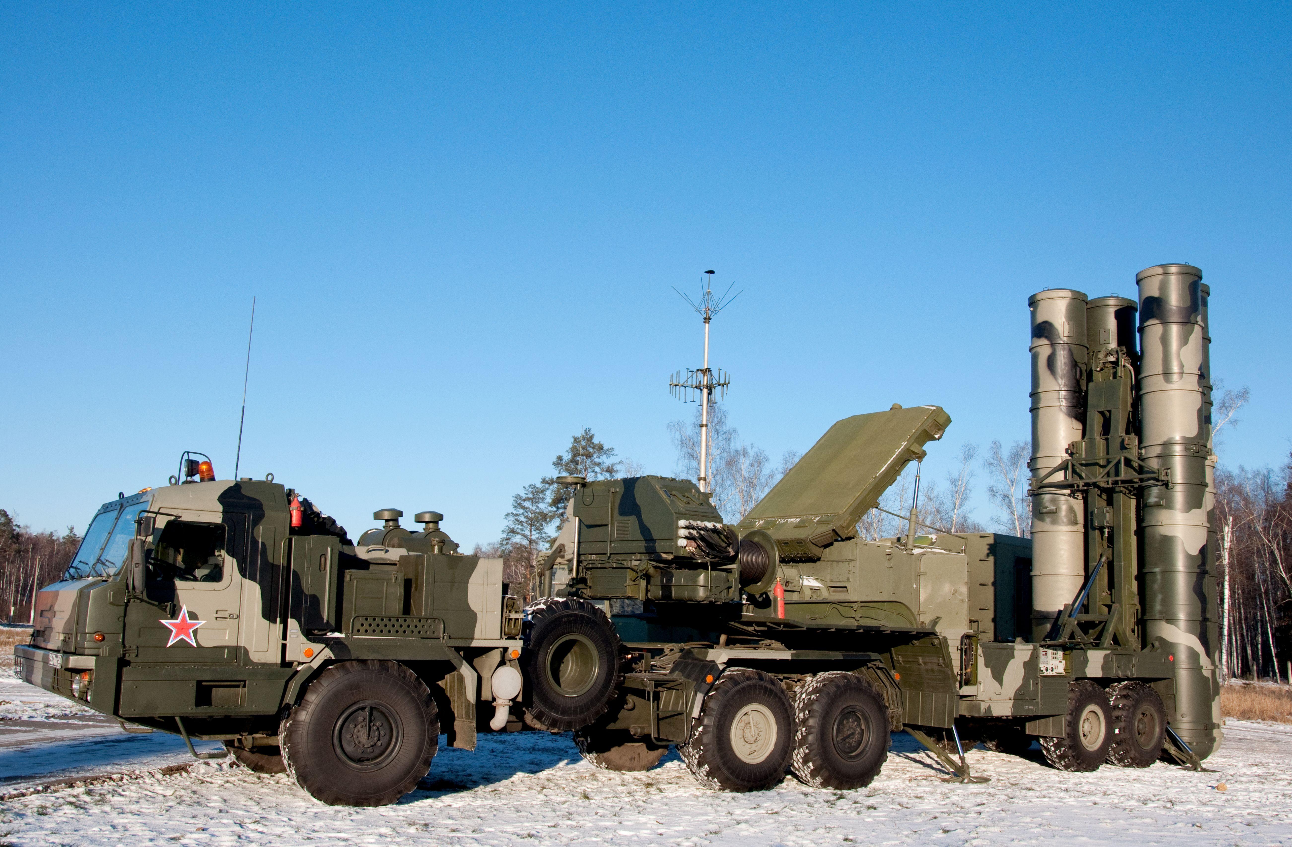 Και τέταρτο σύνταγμα πυραυλικών συστημάτων S-400 Triumf κοντά στη Μόσχα