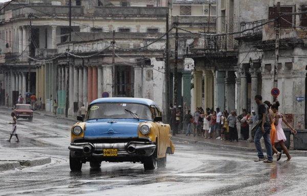 FT : Γιατί ο Ομπάμα άναψε το …πούρο της ειρήνης με την Κούβα