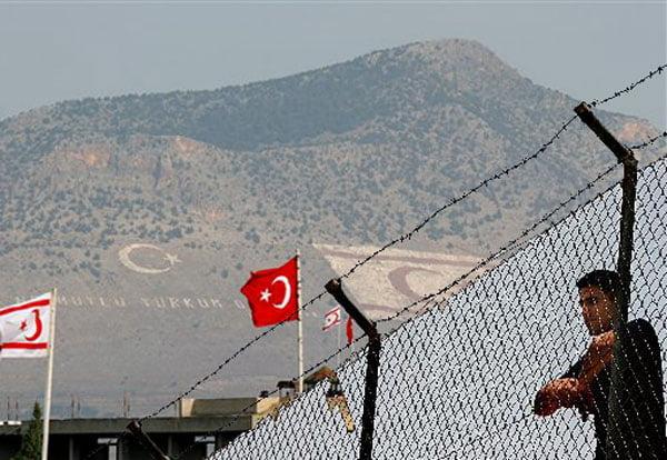 Ο Λίντιγκτον ζήτησε άρση του κυπριακού βέτο για ξεπάγωμα δύο τουρκικών κεφαλαίων