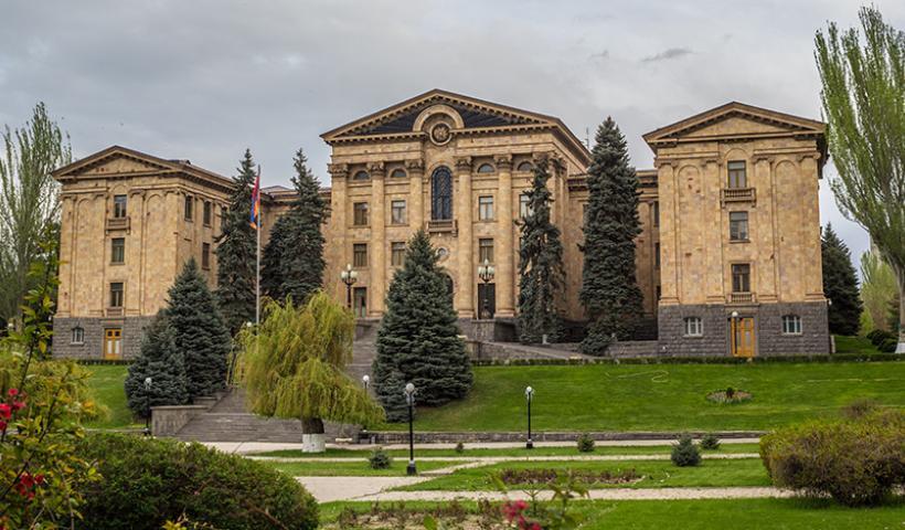 Ιστορική απόφαση: Η Αρμενία αναγνώρισε τη γενοκτονία Ελλήνων και Ασσυρίων!