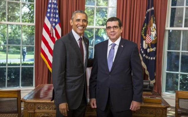 O πρέσβης της Κούβας στις ΗΠΑ επέδωσε τα διαπιστευτήριά του στον Ομπάμα
