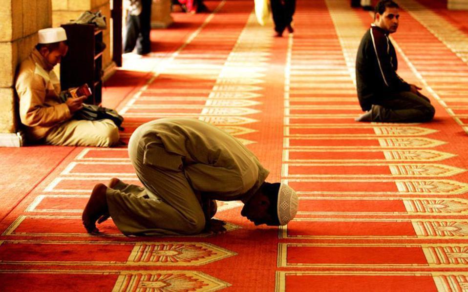 Τουρκία: Ιμάμης καλεί για προσευχή εντός της Αγίας Σοφίας (VIDEO)