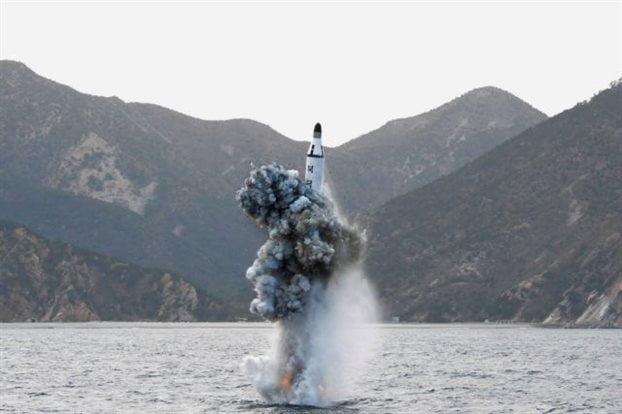 Η Ιαπωνία καταγγέλλει την εκτόξευση πυραύλου από τη Βόρεια Κορέα