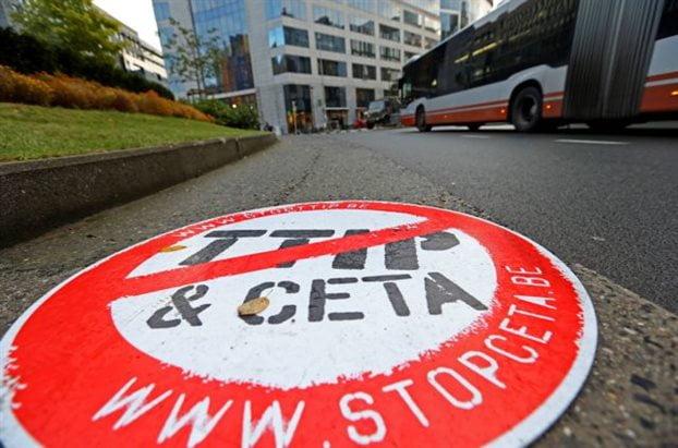 Αμετακίνητοι οι γαλλόφωνοι Βέλγοι για τη CETA – Μπλοκάρουν με βέτο εμπορική συμφωνία των «28» με τον Καναδά
