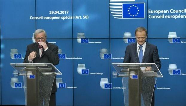 Σφαλιάρα της ΕΕ στη Βρετανία: Αυτόματη είσοδος της Β. Ιρλανδίας αν ενωθεί με την Ιρλανδία