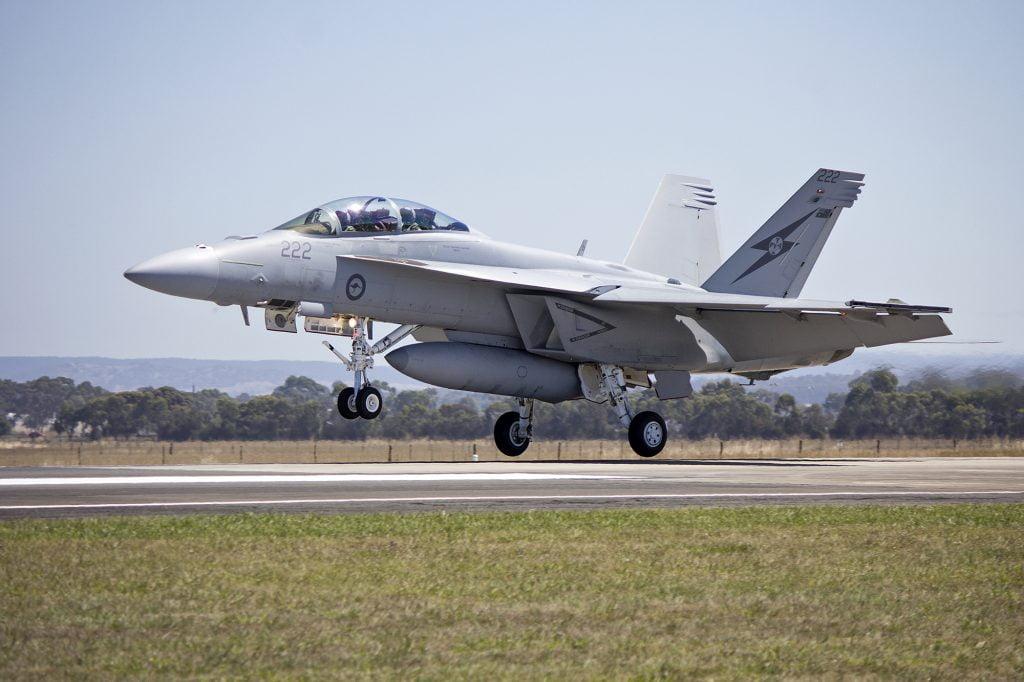Η Αυστραλία ανέστειλε τις αεροπορικές επιδρομές  στη Συρία, μετά τη κατάρριψη του συριακού πολεμικού αεροπλάνου και τη ρωσική απάντηση
