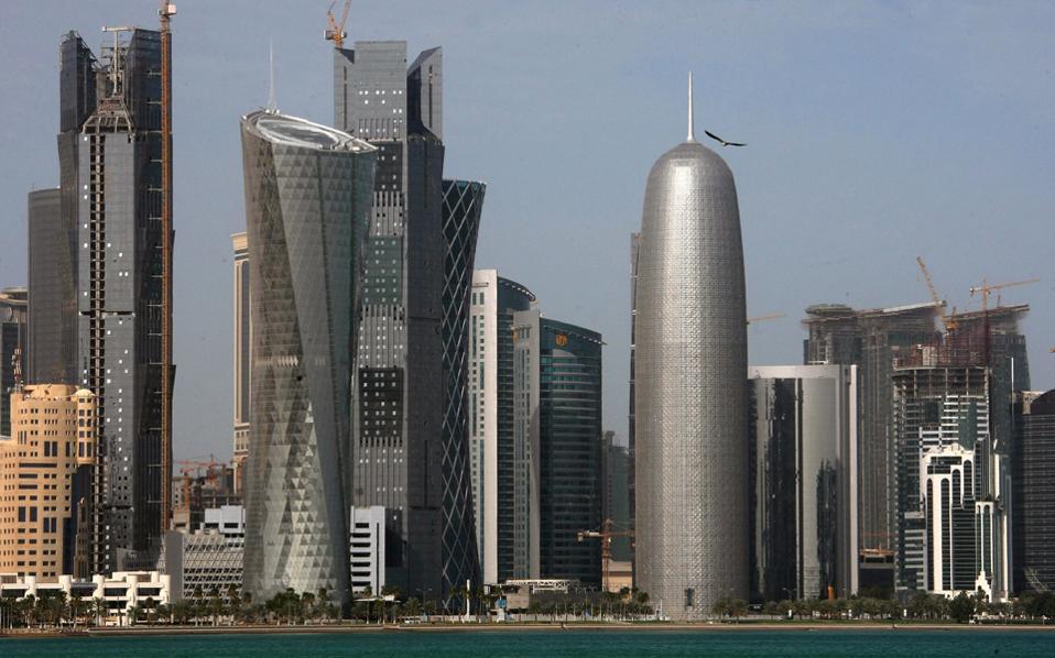 Τρεις χώρες του Κόλπου και η Αίγυπτος κόβουν τους διπλωματικούς δεσμούς με το Κατάρ