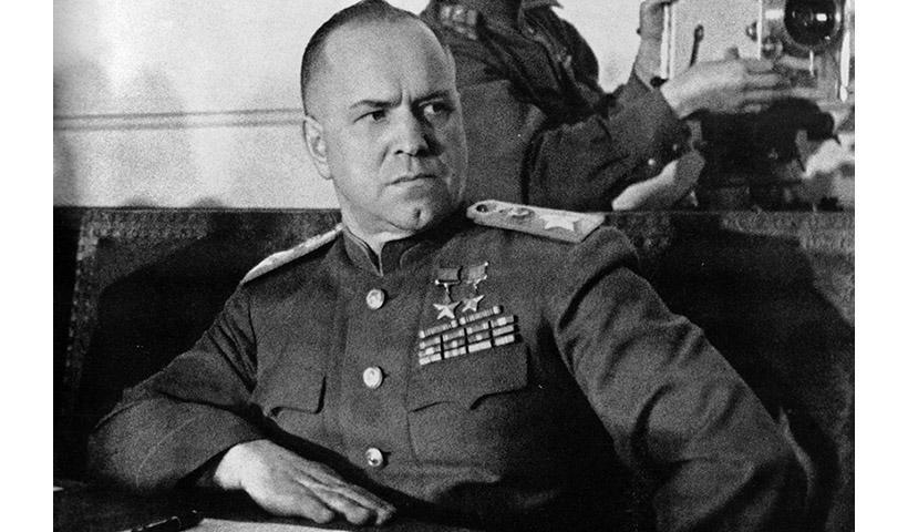 """""""Εδώ θα υπογράψετε την παράδοση σας""""- Ο στρατάρχης Ζούκοφ περιγράφει τη νύχτα της 9ης Μαίου 1945"""
