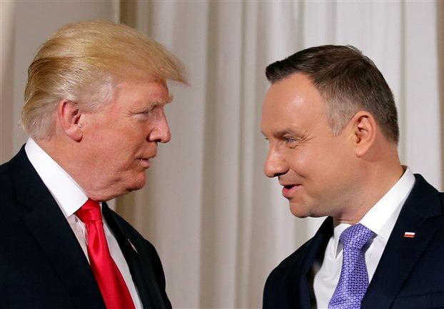 Τραμπ από Πολωνία: ΝΑΤΟ με το αζημίωτο, μήνυμα σε Ρωσία και πυρά για Β.Κορέα