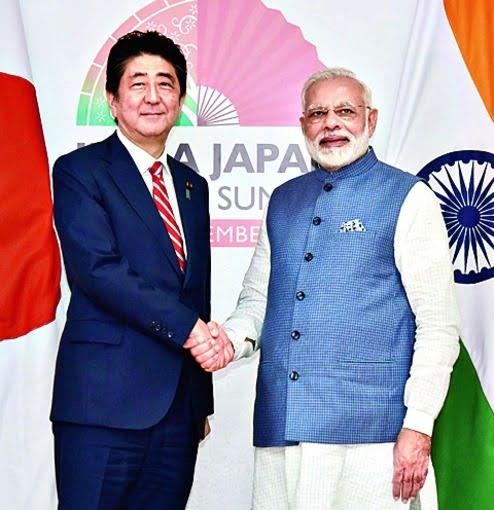 Ινδία και Ιαπωνία συσφίγγουν τις σχέσεις τους για να αντιμετωπίσουν την Κίνα