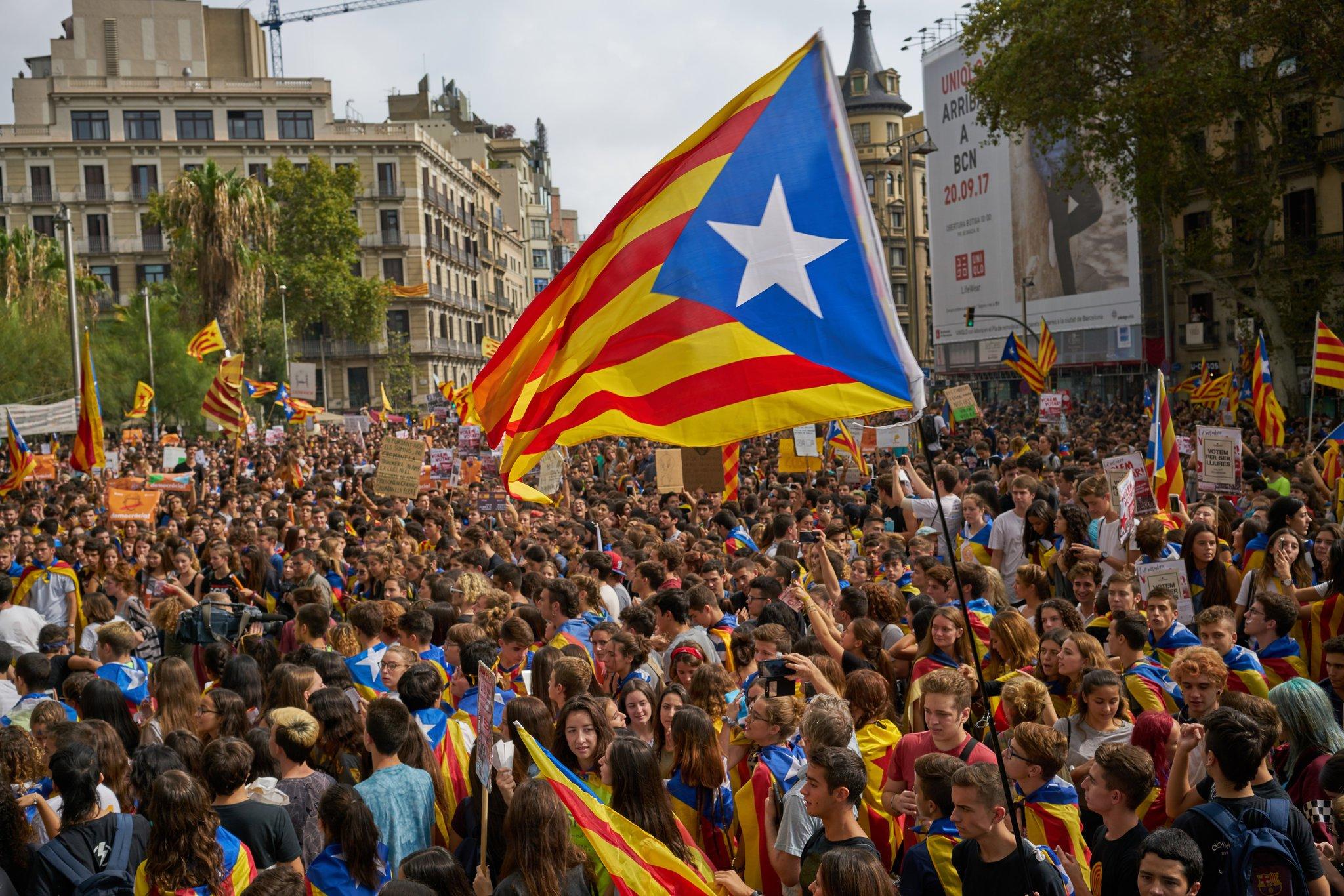 Καταλανοί και Κούρδοι αντιμέτωποι με τη σκληρή πραγματικότητα και τα επακόλουθα της απόσχισης