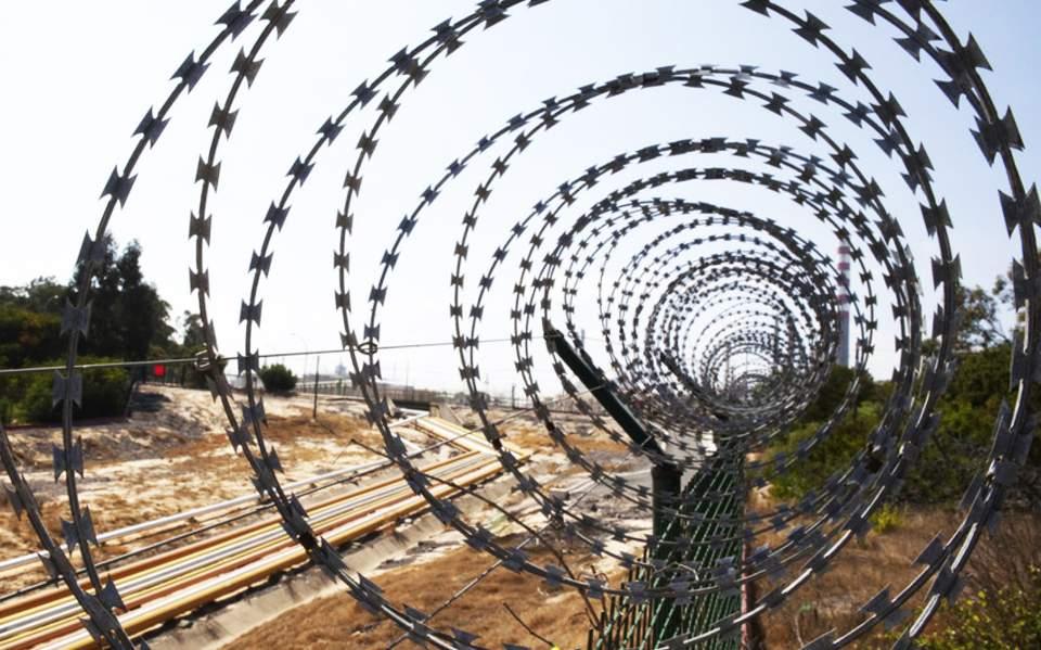 Οι απόστρατοι της Ξάνθης μαζεύουν λεφτά για την επέκταση του φράχτη στον Έβρο