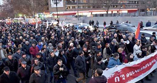 Με ποιο Χρώμα η «Επανάσταση» στην Αρμενία;