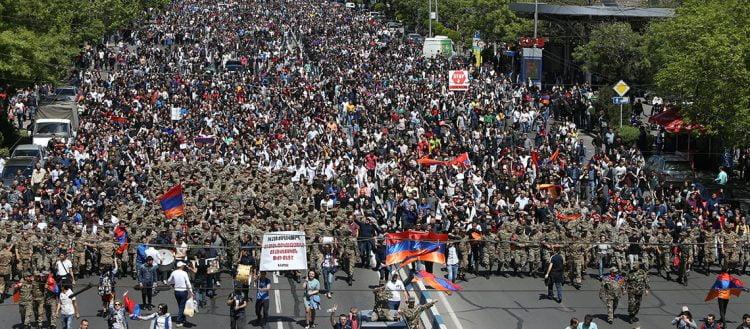 H «βελούδινη» επανάσταση στην Αρμενία: Ενδεχόμενη αλλαγή του status quo θα οδηγήσει σε αποσταθεροποίηση τον Καύκασο